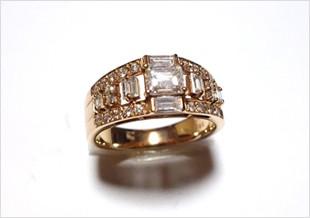 ダイヤとゴールドの指輪